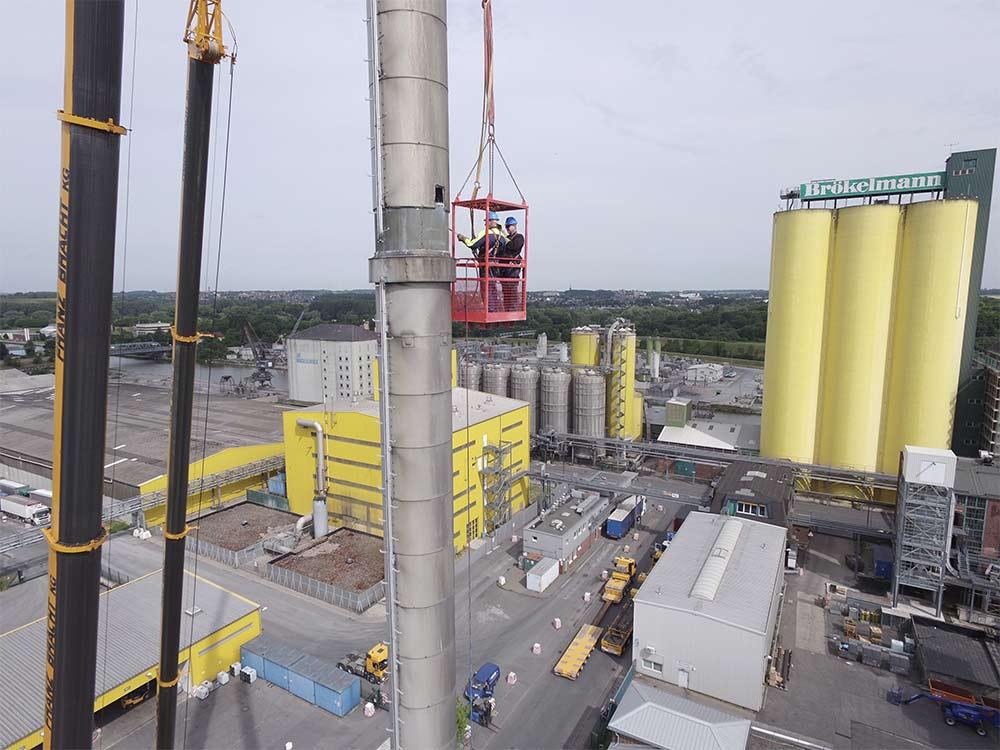 Rückbau eines 63 Meter hohen Stahlschornsteins